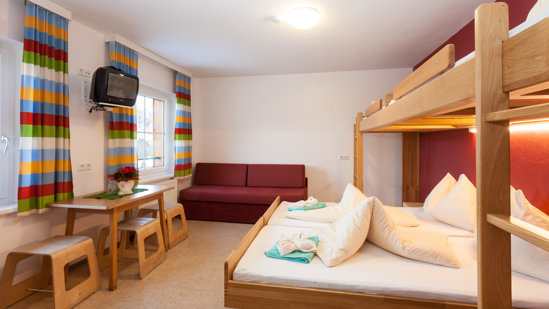 Jugendhotel obertauern jugendherberge felseralm for Jugendzimmer 4 living